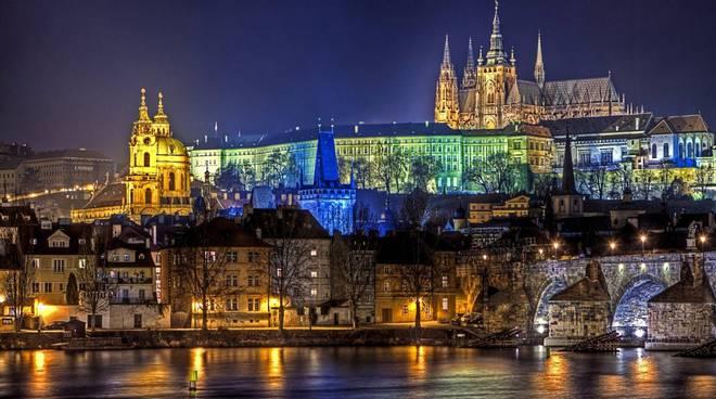 Da 16 a 40 euro: Praga, Londra, Atene e tanti altri voli low cost per novembre foto