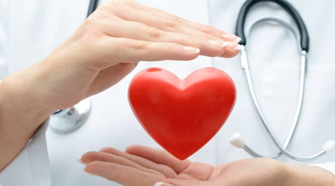 Il defibrillatore arriva nelle scuole superiori bergamasche