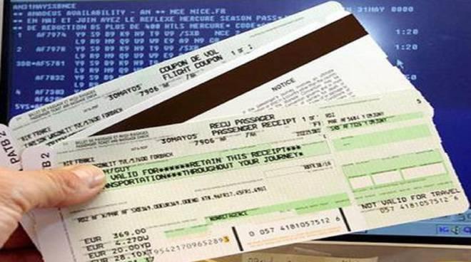 Truffa internazionale dei biglietti aerei: coinvolto anche Orio al Serio video
