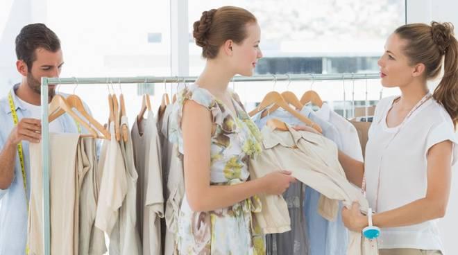 Commercio a Bergamo: donne licenziate sono il doppio dei maschi