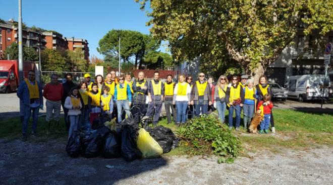 """""""Puliamo il mondo"""": 30 volontari di Legambiente rimettono in ordine la Malpensata"""