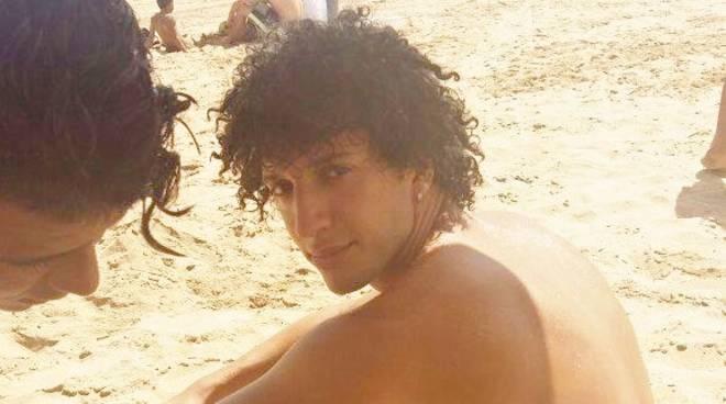 """Mozzo piange """"Momo"""", morto in moto ad Astino: i ricordi degli amici foto"""