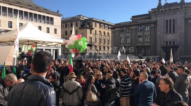 Di Maio a Genova, dissesto e referendum