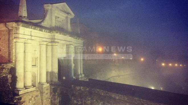 Nebbia in Città Alta