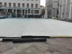 Pista di pattinaggio in piazza Libertà: fervono i lavori