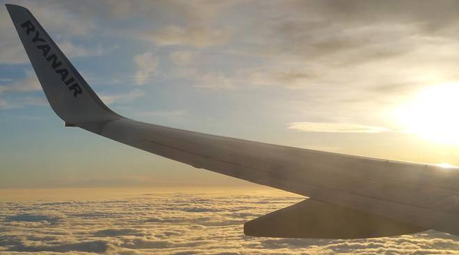 Ryanair e Easyjet si sfidano a colpi di