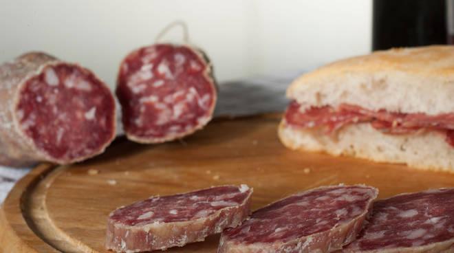 Può essere contaminato: ritirato lotto del salame boscaiolo dai supermercati Auchan