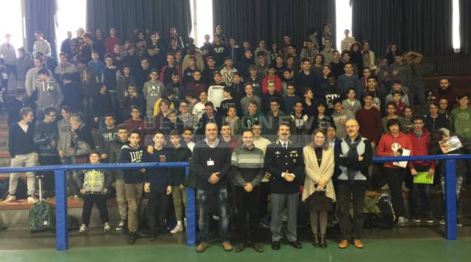 Il vice questore Murtas all'istituto Marconi di Dalmine