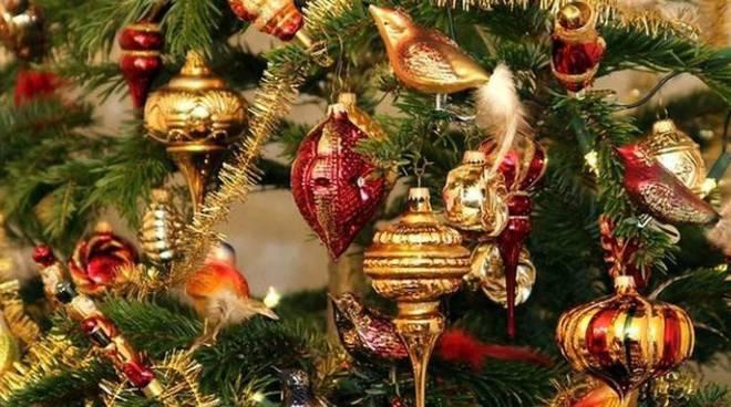 Auguri Di Natale Al Datore Di Lavoro.Il Primo Natale Della Crescita Non Dimentichi I Diritti Gli Auguri