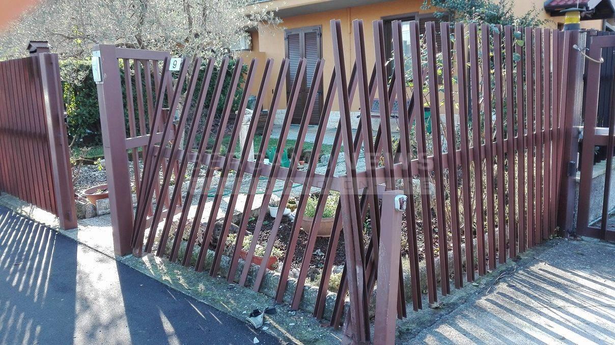 Un suv mi ha sfondato il cancello ed fuggito l 39 avete - Casa di riposo dalmine ...