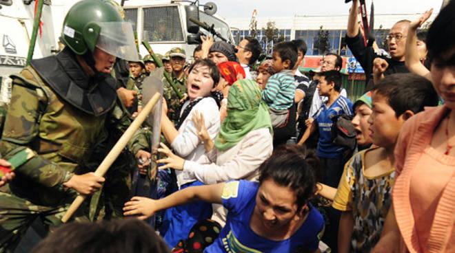 Uyghura
