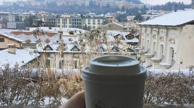 La neve su Bergamo vista dai social