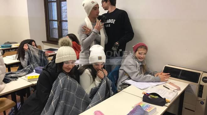 sarpi studenti freddo classe