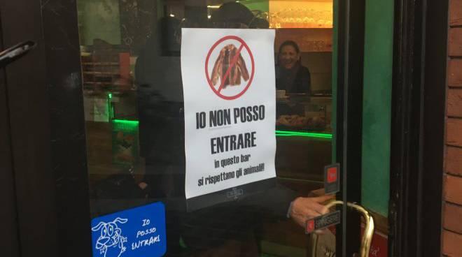 Io non posso entrare bar vietato a chi indossa una - Casa di riposo dalmine ...
