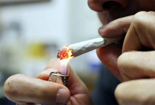 Giovani & droga: più di 30mila ragazzi italiani la ...