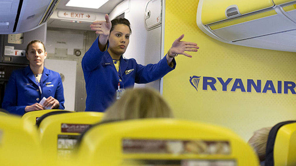 hostess ryanair