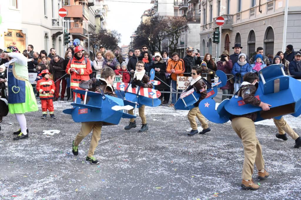 Sfilata di mezza quaresima, spettacolo a Bergamo