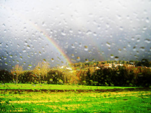 sole pioggia arcobaleno