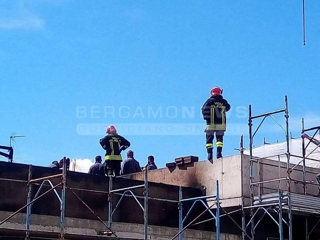 Incendio a Romano mercoledì 19 aprile