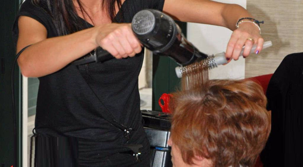 Lecco: Gdf annulla verbale a parrucchiera, iva non era dovuta