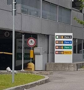 parcheggio ospedale pieno alle 10