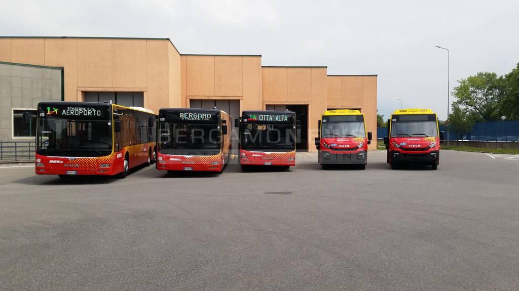 Atb, presentati 5 autobus a Gasolio