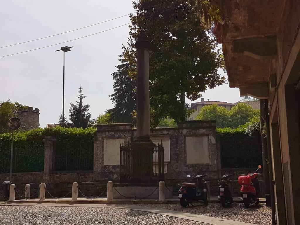 Bergamo Segreta_ colonna di Sant'Alessandro
