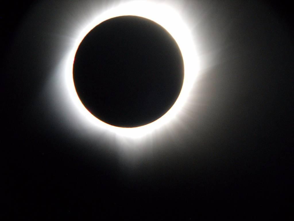 Dall'Italia agli Usa per l'eclissi
