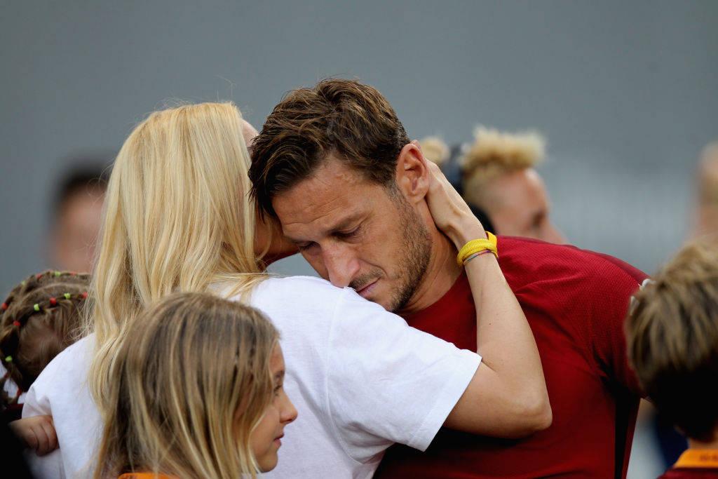YOUTUBE Francesco Totti, passaggio perfetto… da barca a barca