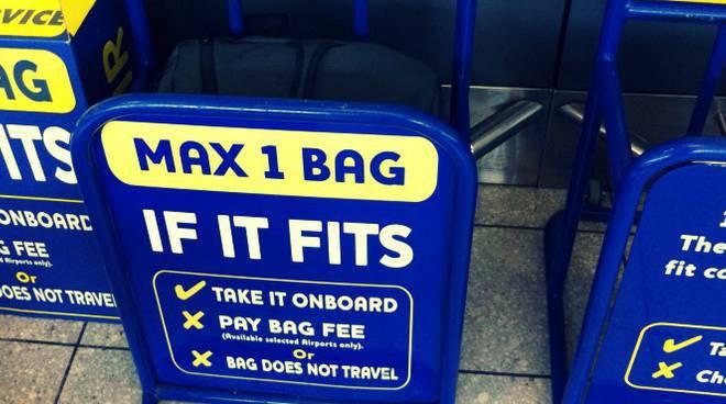 Non si potranno più portare due bagagli a mano sui voli Ryanair
