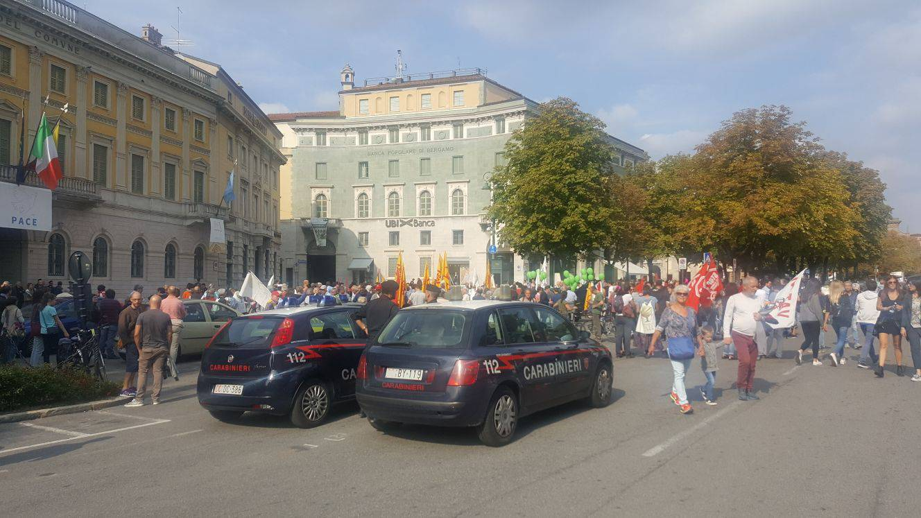Corteo No parking fara