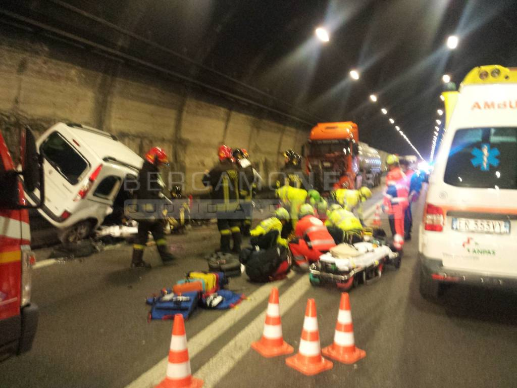Incidente in galleria a Costa Volpino