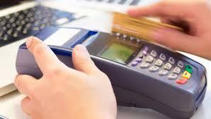 Bancomat, dal 2018 multe per chi non accetta la carta