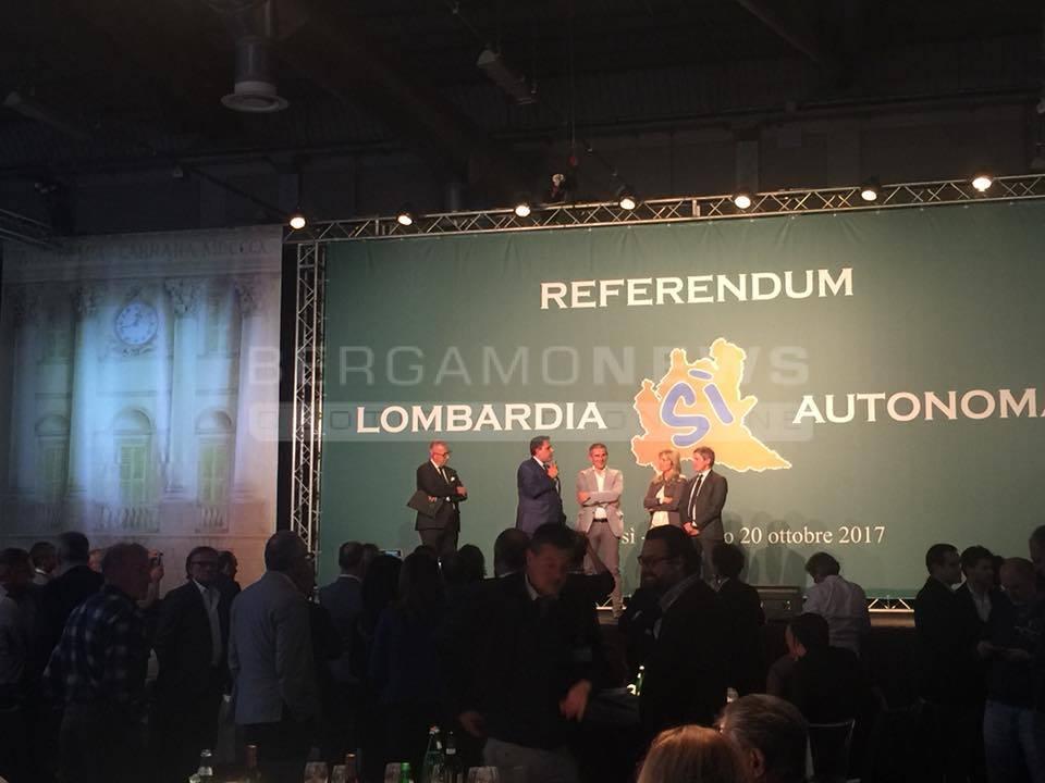 Referendum, cena alla fiera di Bergamo