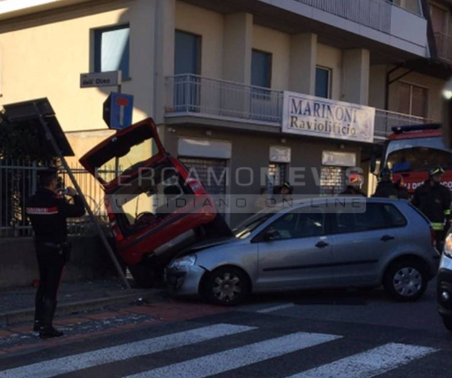 incidente a Villa d'Almè