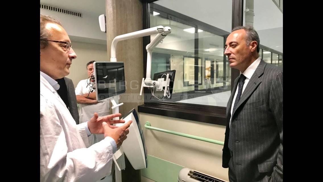 L'assessore regionale Giulio Gallera visita l'Istituto Habilita