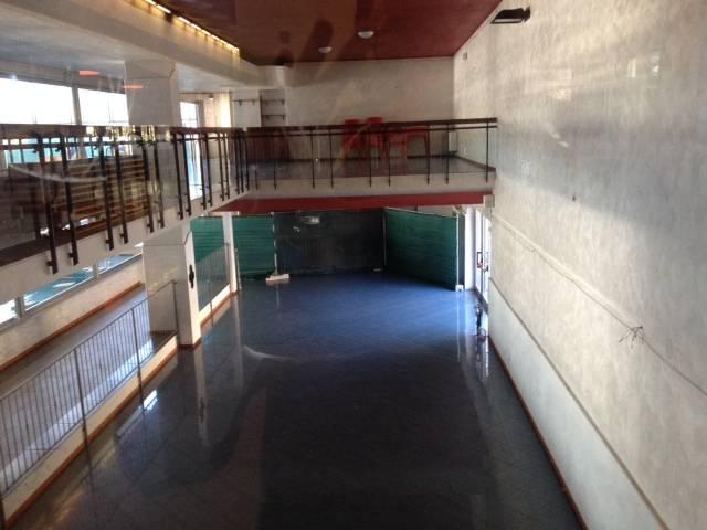 Bar piscine Italcementi