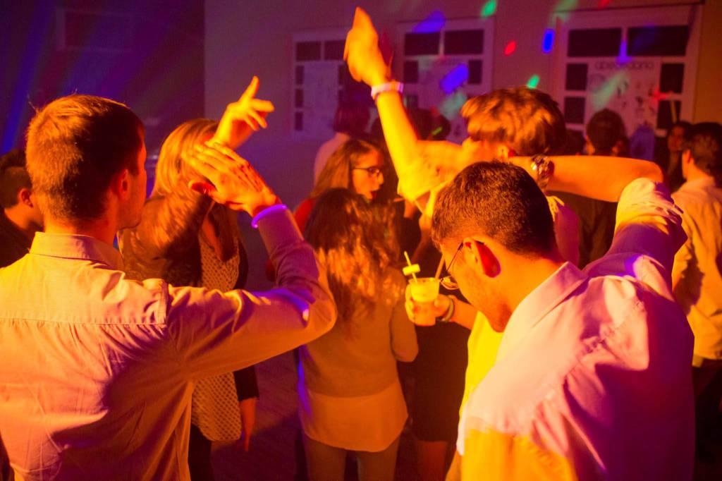 adolescenti in sesso di gruppo