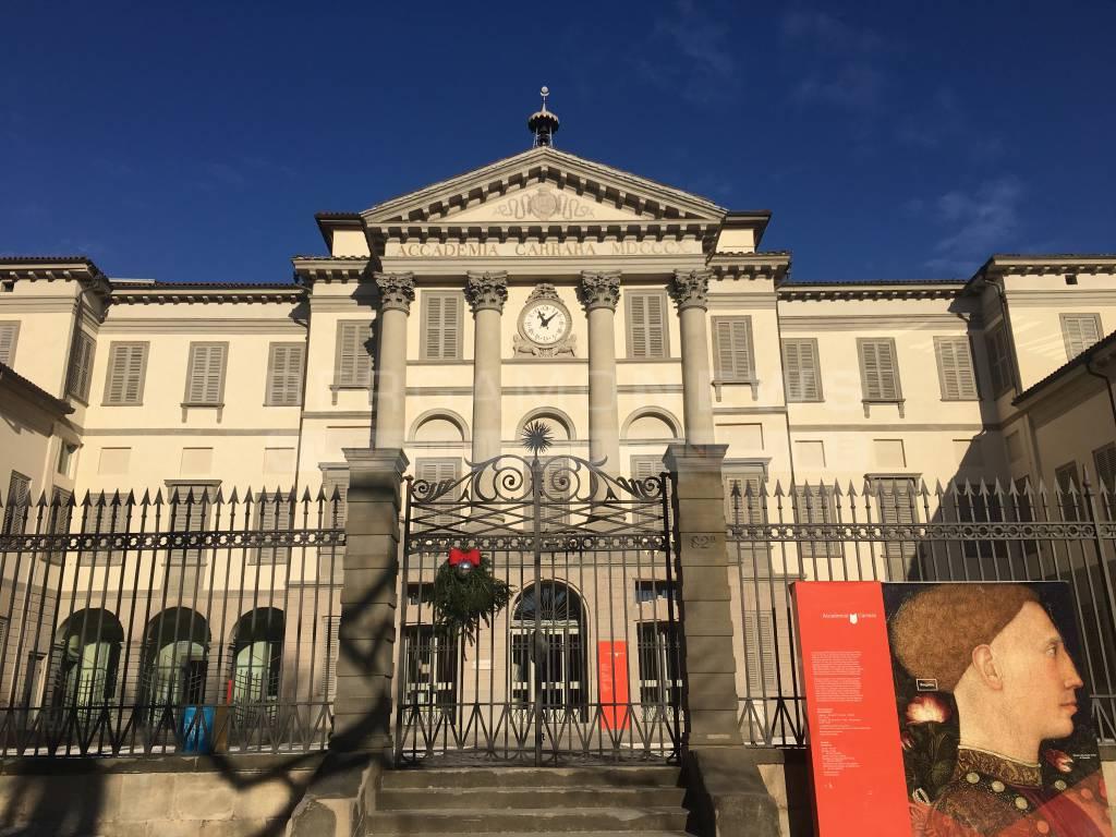 L'inaugurazione di Piazza Carrara