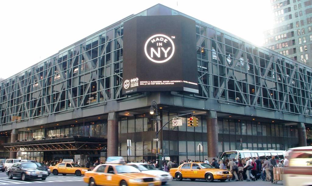 New York, esplosione alla stazione bus. La polizia: