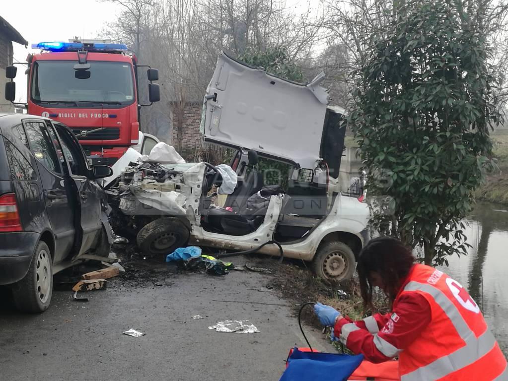 Calcio, incidente tra Panda della Posta e Mercedes