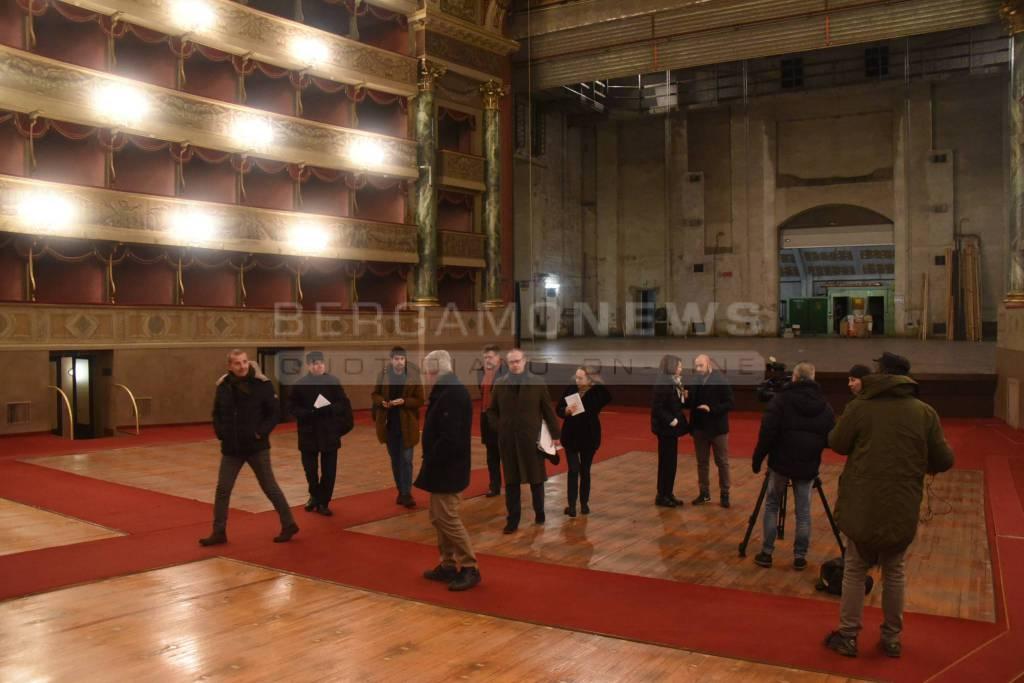 Il saluto al Teatro Donizetti