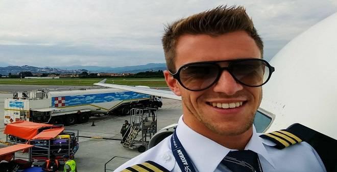 Pilota di compagnia aerea sito di incontri