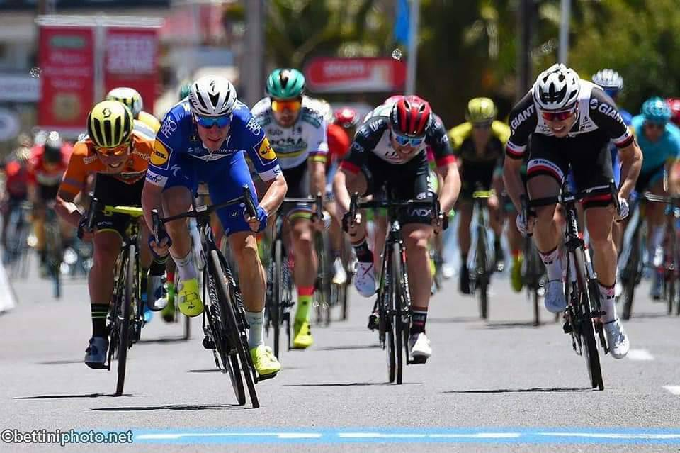 Tour Down Under, colpo Viviani. Ewan sempre leader