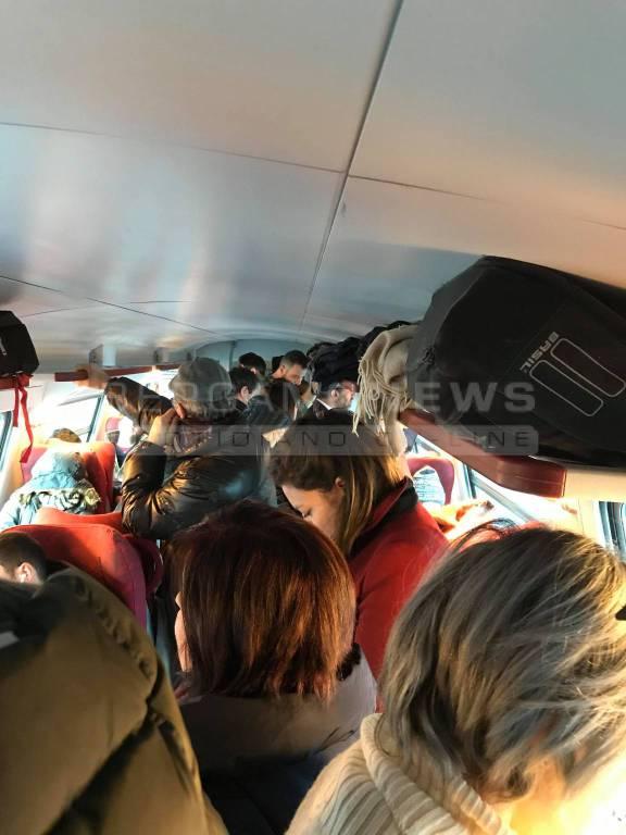 Carrozze come celle frigorifere, la denuncia del Comitato pendolari di Orte