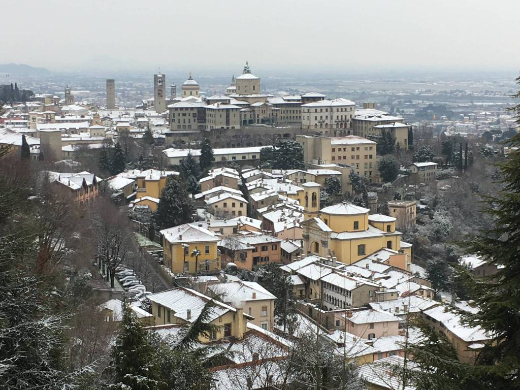 Neve tra Città Alta e San Vigilio