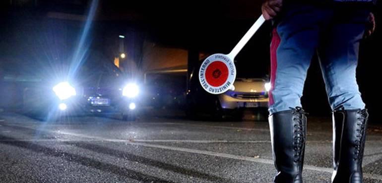 Risultati immagini per polizia stradale di notte