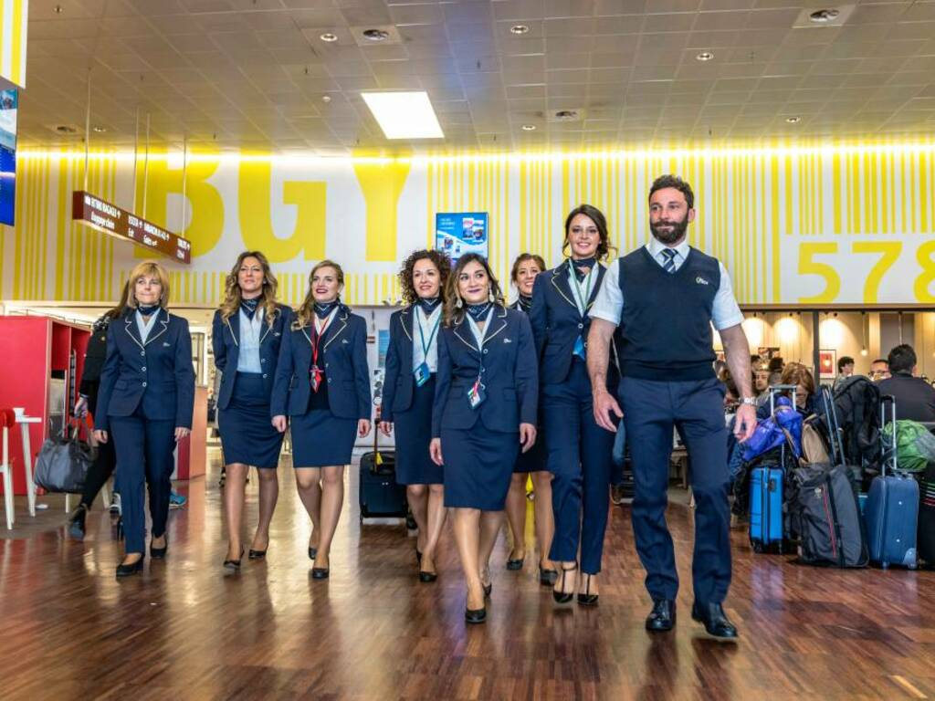 Nuove divise all'aeroporto di Orio al Serio