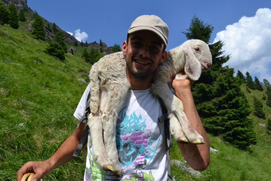 Torna Pasturs, giovani volontari accanto ai pastori