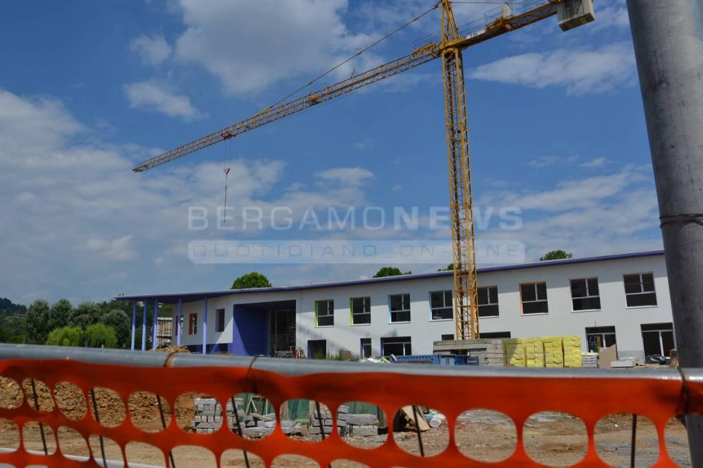 Il cantiere della nuova scuola